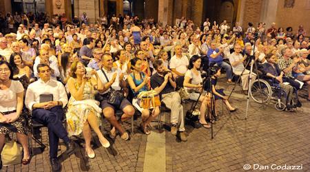 Pubblico (2)